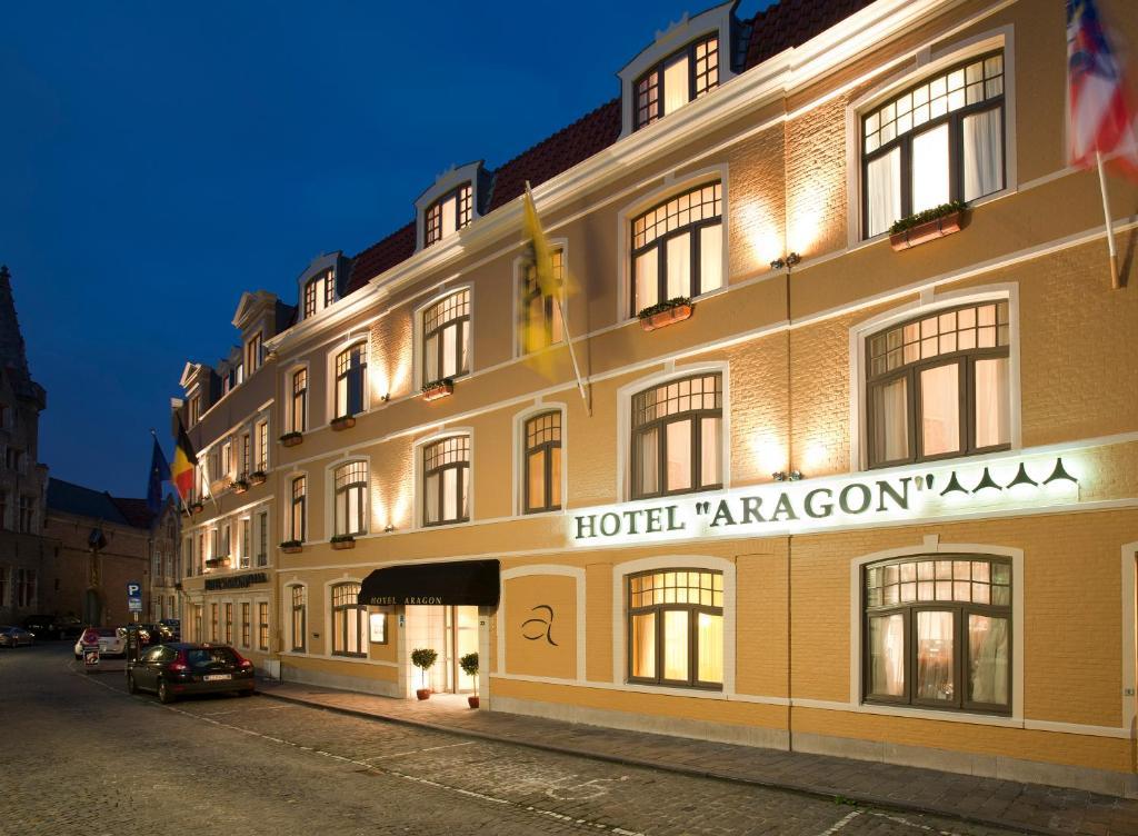 136217100 - Hotel Aragon