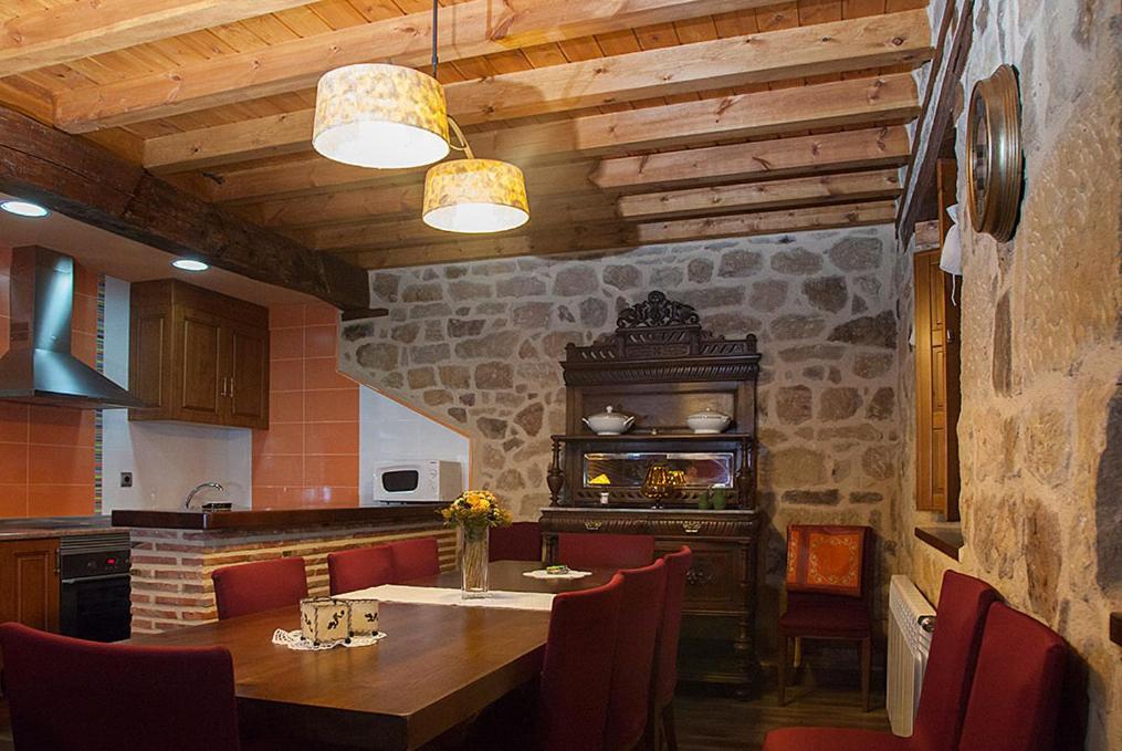 Casa Rural del Tio Melitón (España Covaleda) - Booking.com