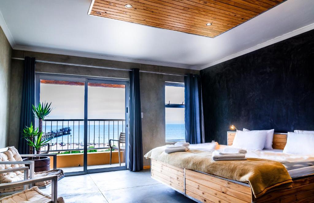 Kết quả hình ảnh cho Khách sạn La Mer