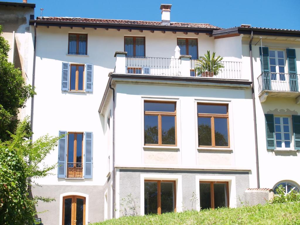 Departamento casa botta luino lago maggiore italia for Lago maggiore casa