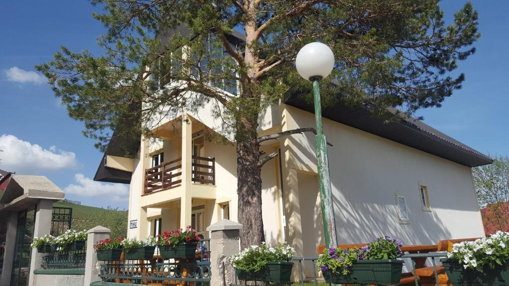 Guest House Tiha noć (Montenegro Žabljak) - Booking.com