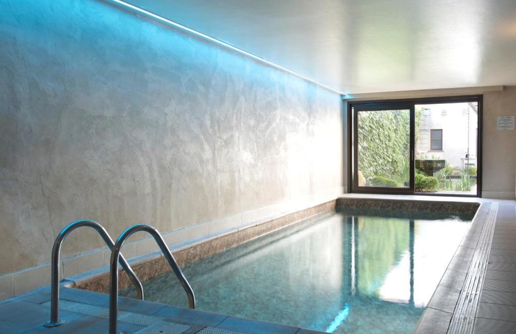 المسبح في فندق فلاندرز أو بالجوار