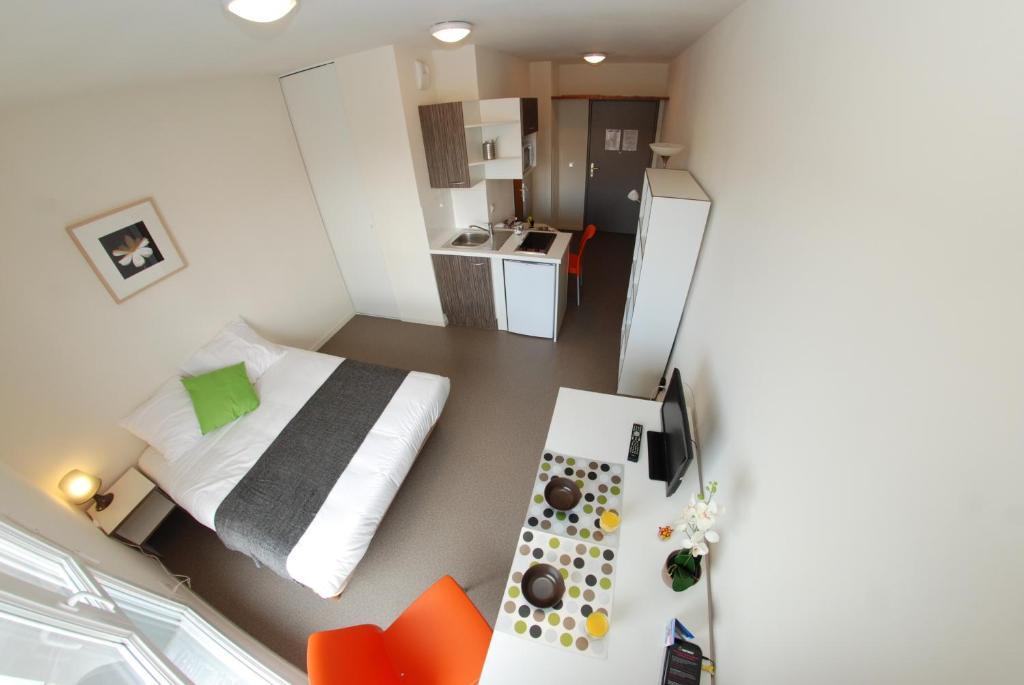 appart 39 h tel apt lyon 7 jean jaur s lyon france. Black Bedroom Furniture Sets. Home Design Ideas
