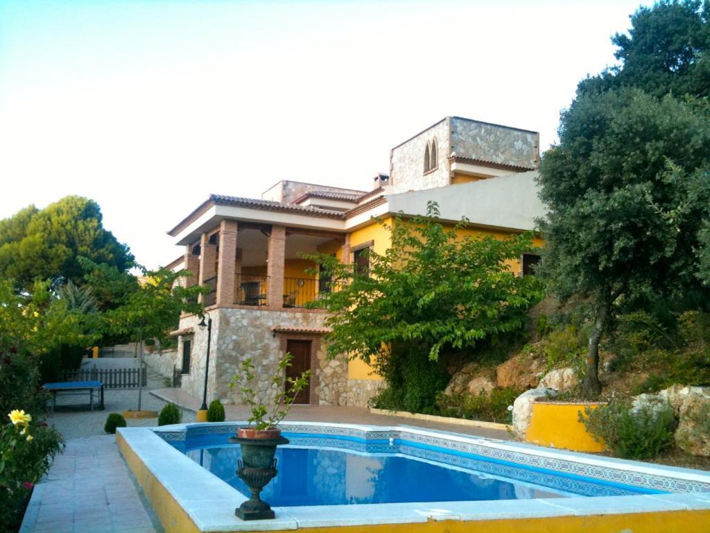 Villa Azuara (Espanha Los Villares) - Booking.com