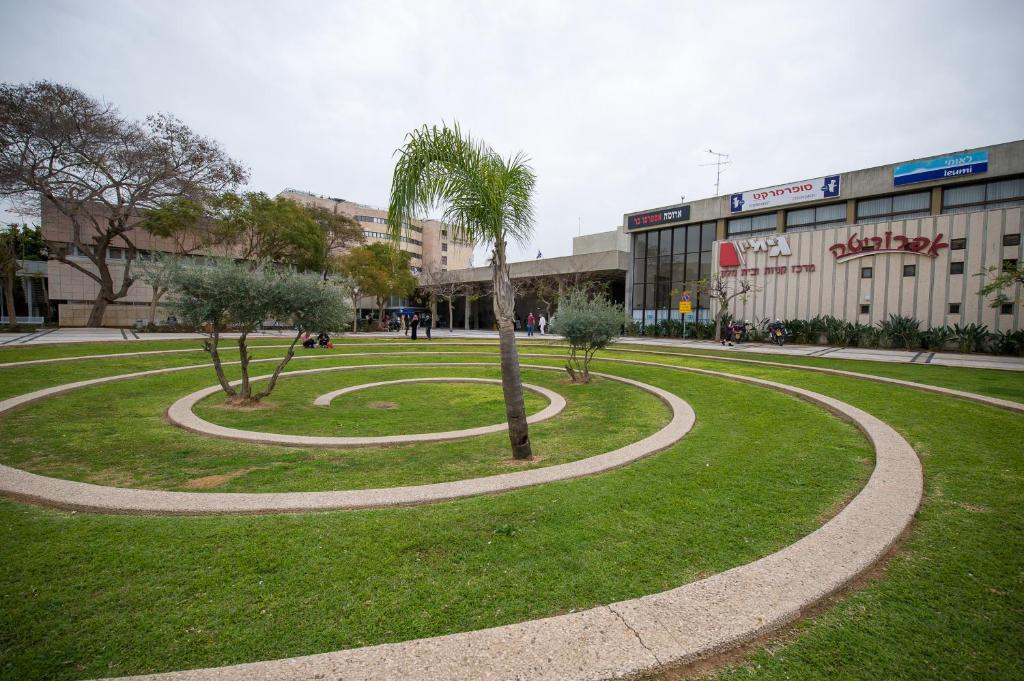 סופר מלון אפרופו, רמת גן – מחירים מעודכנים לשנת 2019 BW-13