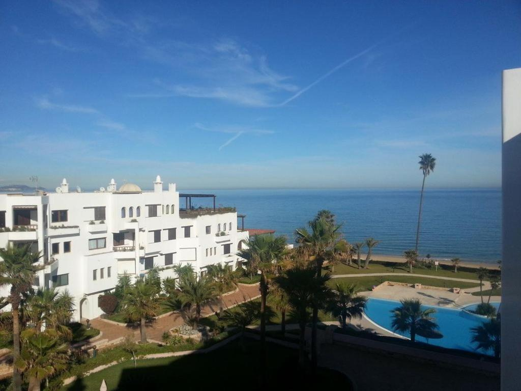 Appartement marina beach restinga smir maroc for Booking appartement