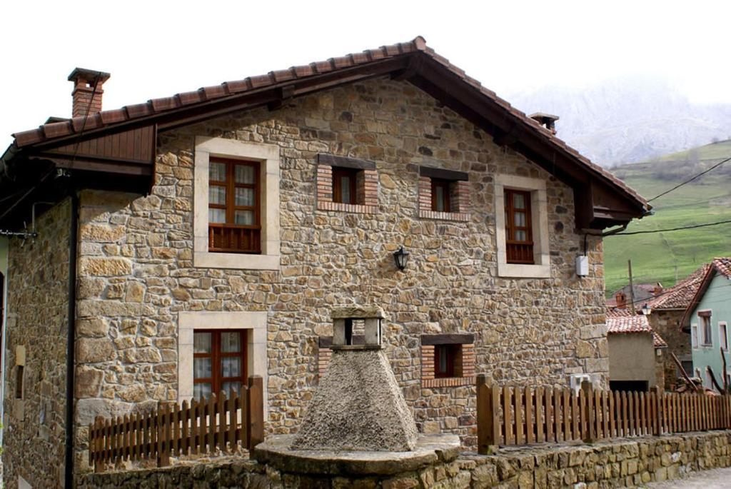 Casa de campo La Cueval Bosque (España Inguanzo) - Booking.com