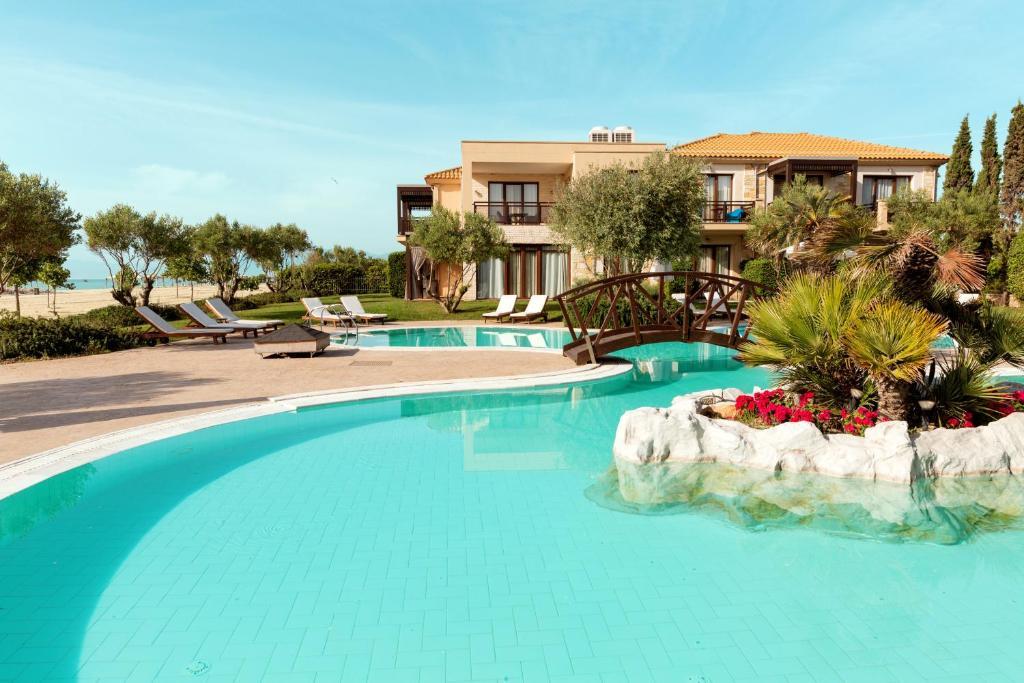 المسبح في Sentido Mediterranean Village أو بالجوار
