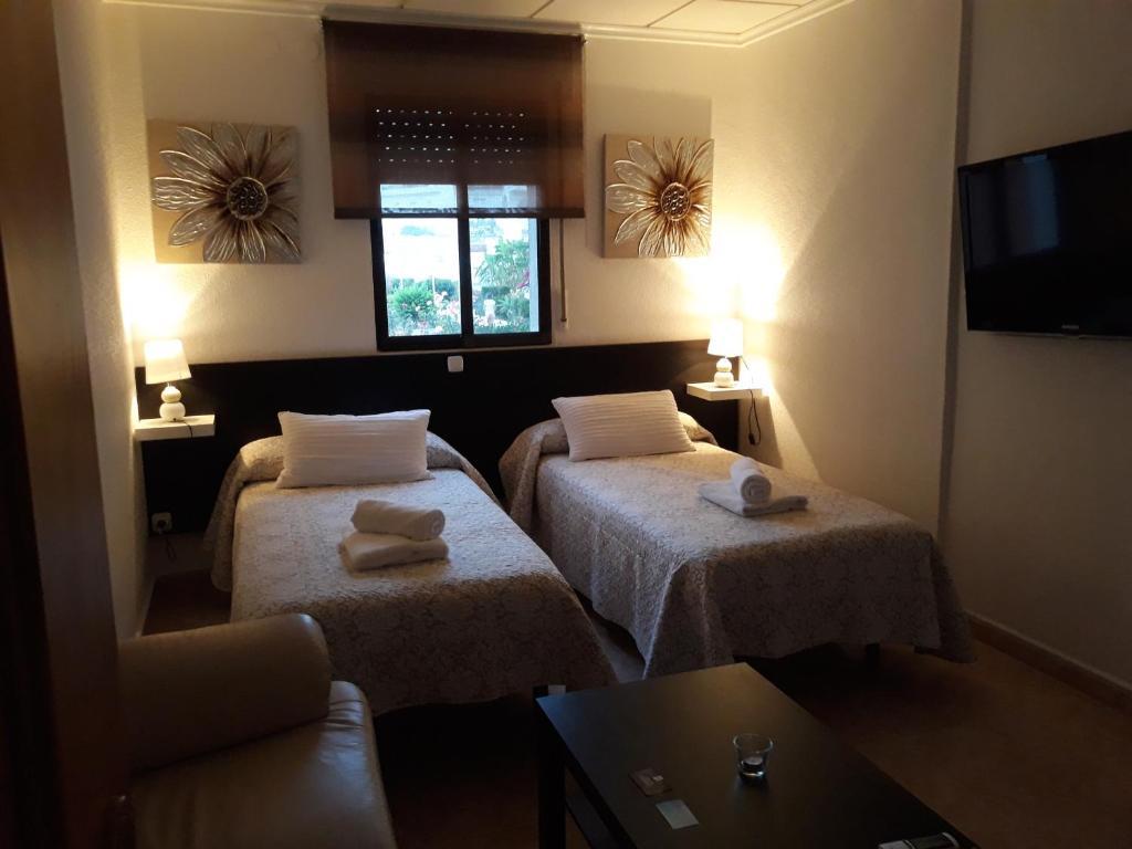 Miramar Habitaciones Pensión Reservar ahora. Galería de imágenes de este alojamiento Galería de imágenes de este alojamiento ...
