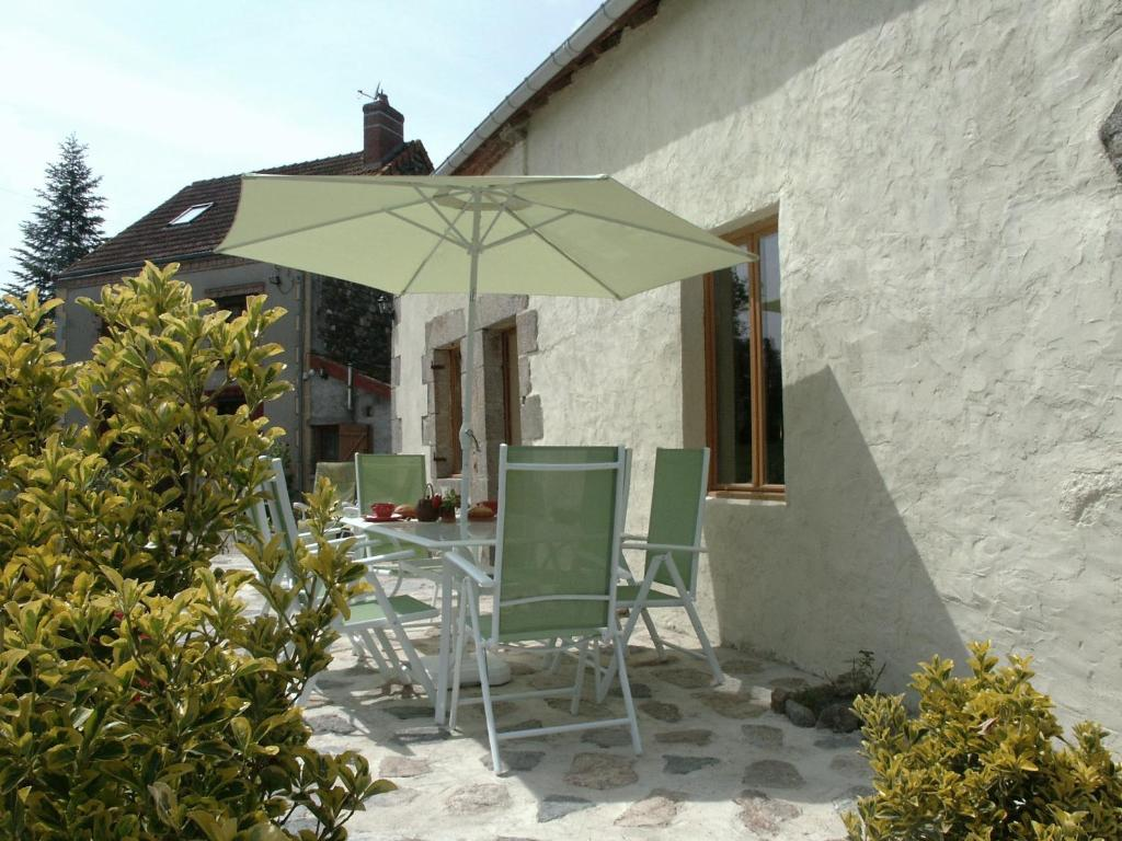 Bed and breakfast les chambres d 39 helix francia saint for Un poco chambre separee