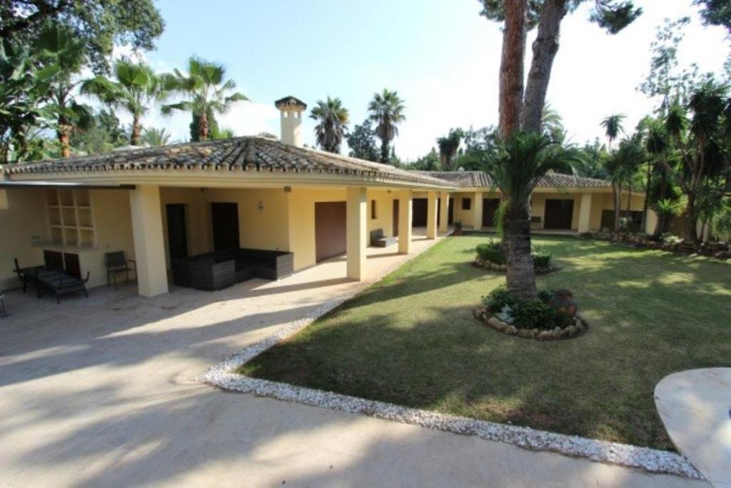 Villa Rocio Nagüeles (España Marbella) - Booking.com