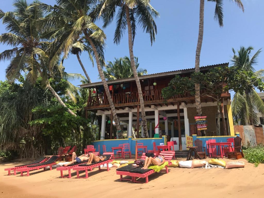 Resultado de imagen para hotel 'Lucky Beach Tangalle'