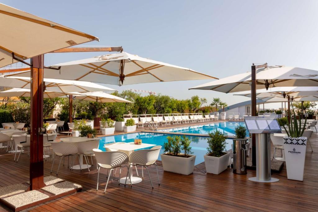 A piscina localizada em Radisson Blu es. Hotel, Roma ou nos arredores