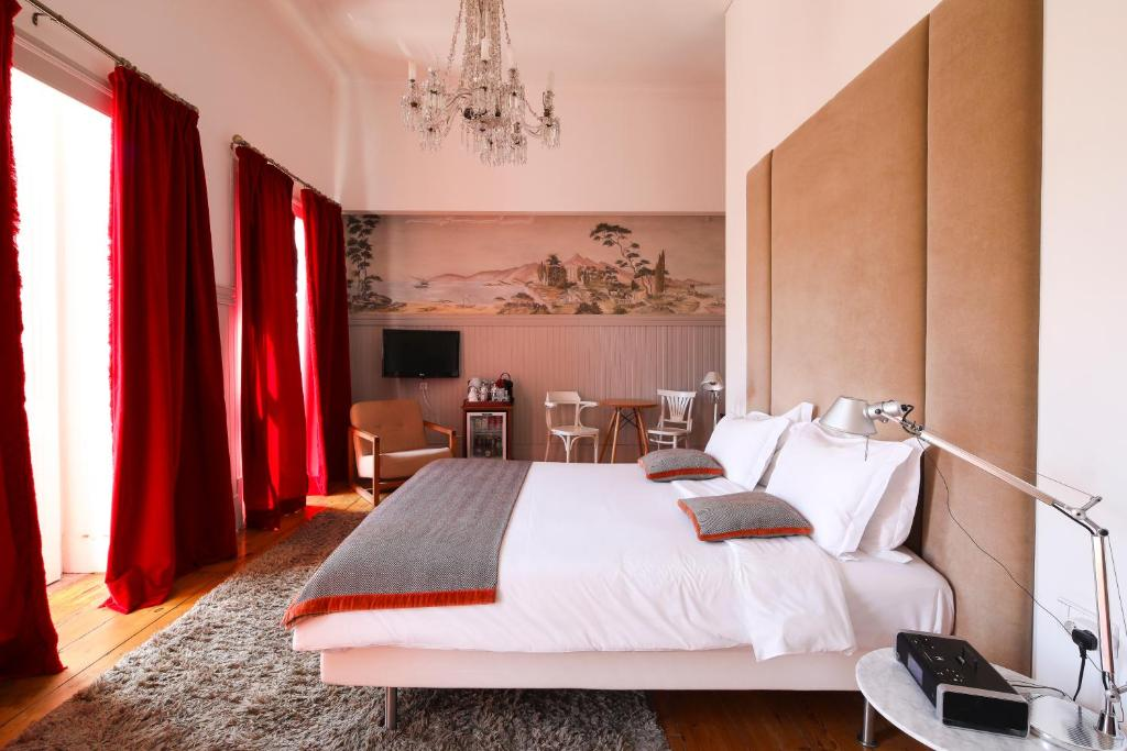 Cama ou camas em um quarto em Casa Oliver Boutique B&B - Principe Real