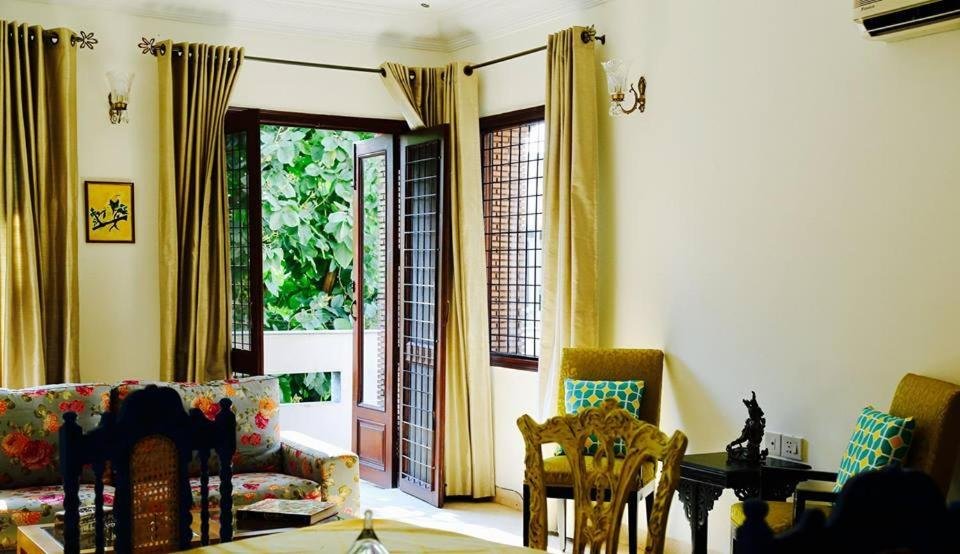 Bed And Breakfast The Golden Oriole New Delhi India Booking Com