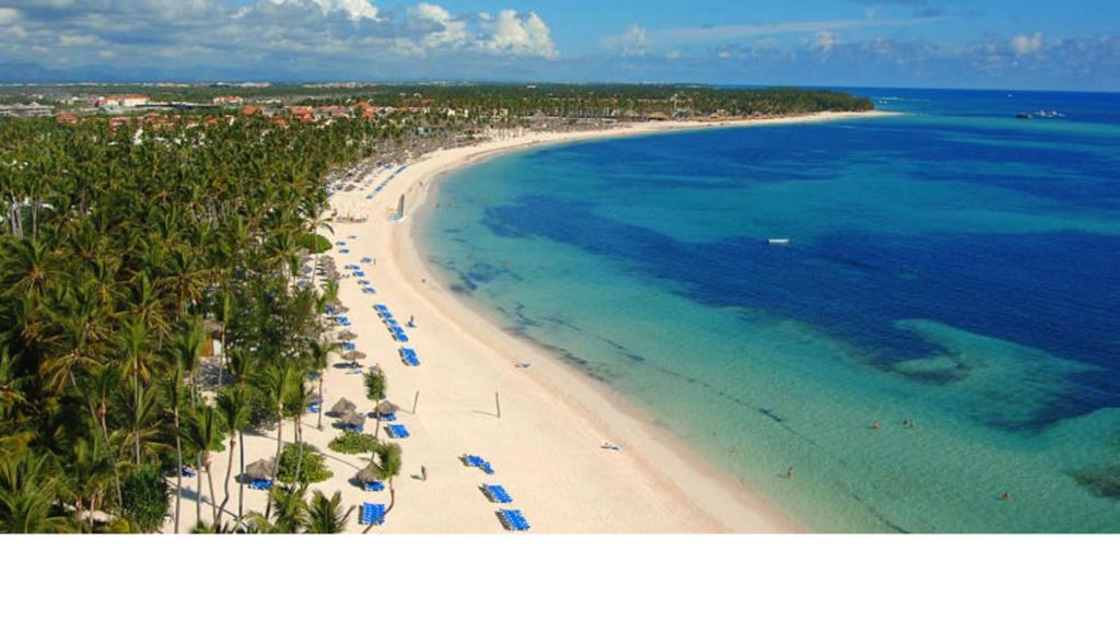 Una vista aérea de Suites at Caribe Bavaro Beach Resort and Spa
