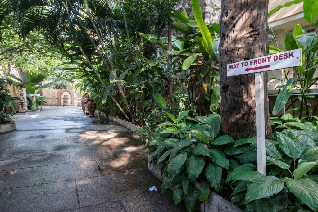 Hanu Reddy Residences Wallace Garden India - India Travel