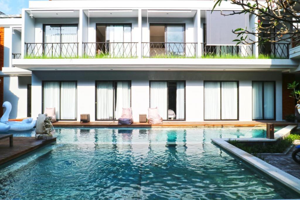 A piscina localizada em Gemini Star Hotel ou nos arredores