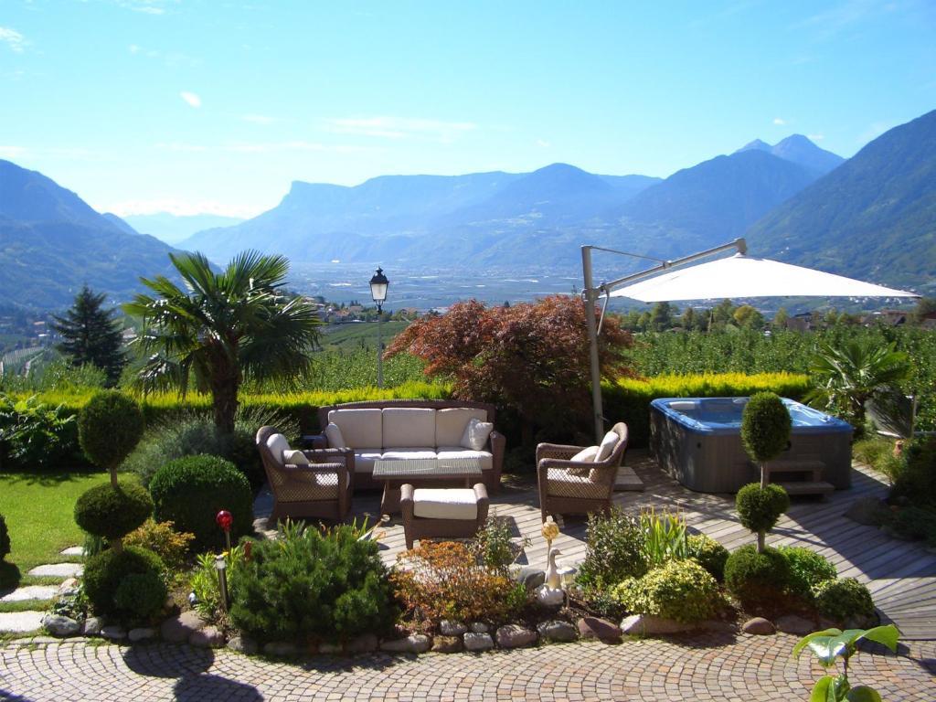 Whirlpool Garten Mit Hotel Mit Whirlpool Auf Balkon Südtirol Hotel Karin Italien Dorf Tirol Bookingcom
