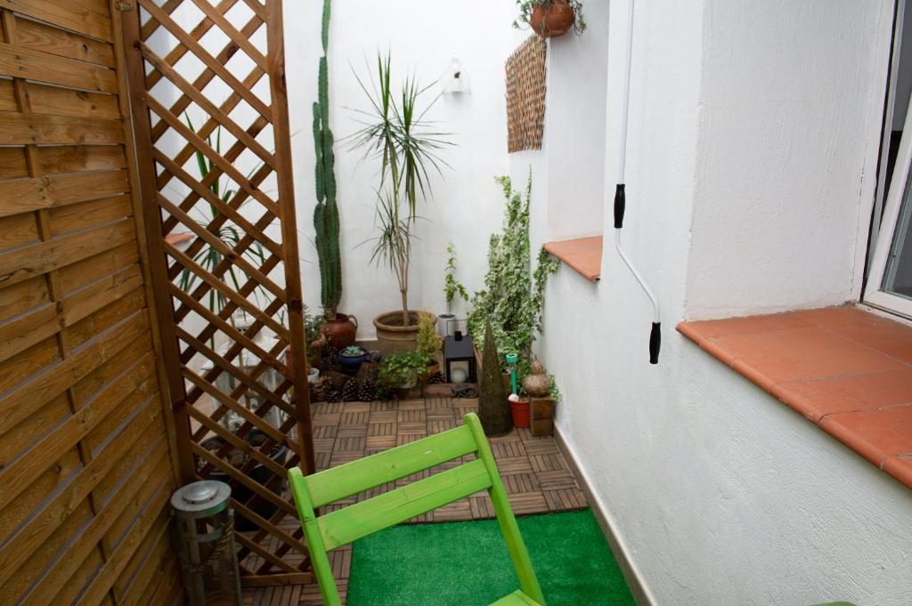 Apartamento con patio en el centro (España Madrid) - Booking.com