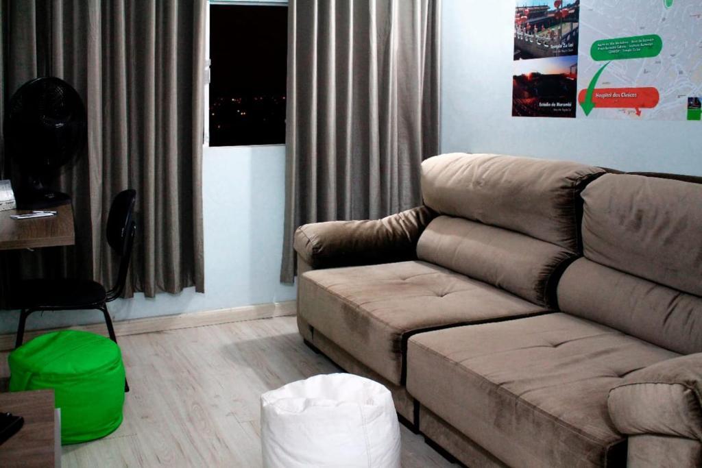 Uma área de estar em Apartamento 1202 do Cond. Edif. Montreal