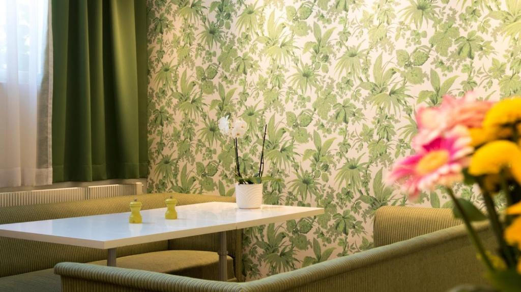 165372094 - Hotel Rivoli Jardin