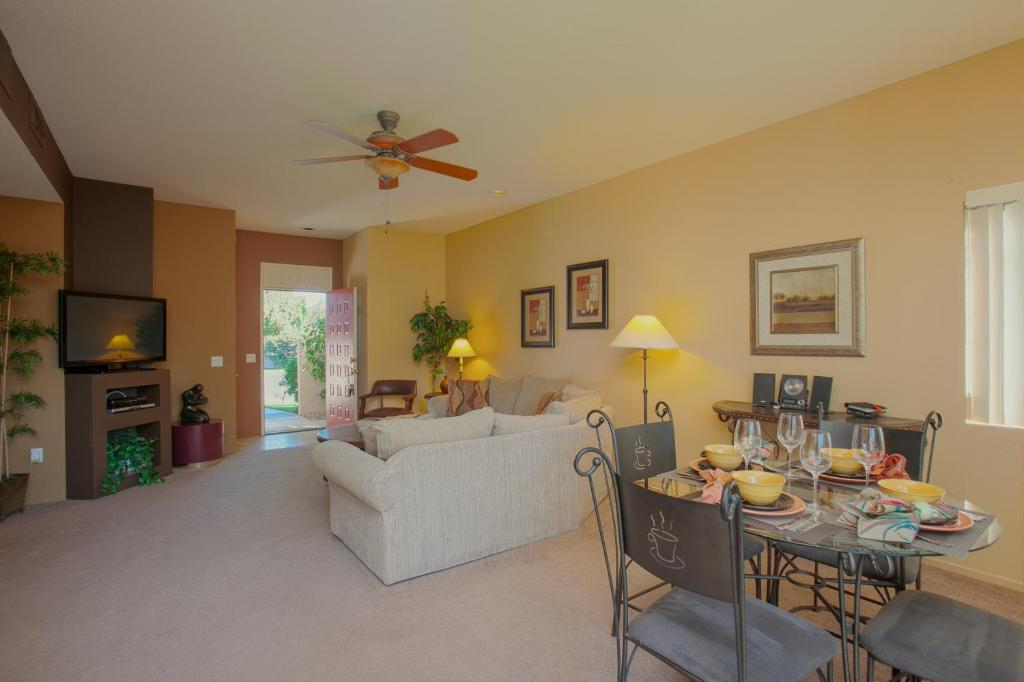 Long term rentals in palm springs ca - Palm Springs Desert Princess Country Club