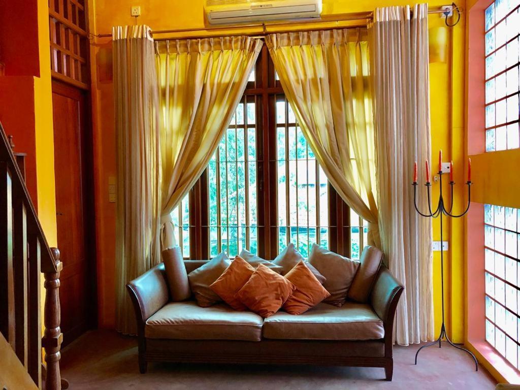 1 Bedroom Cozy Duplex Apartmentloft In The Heart Of Colombo Sri