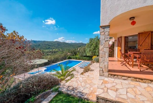 Les Cabanyes Villa Sleeps 10 Pool WiFi (España Calonge ...