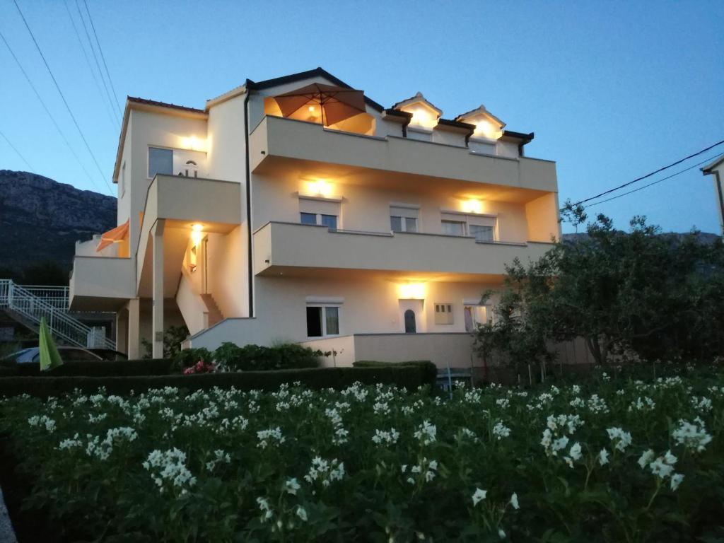 Departamento Lana i Natali (Croacia Kaštela) - Booking.com