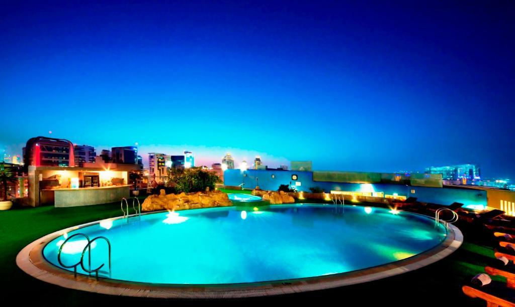 Taj palace hotel dubai abu dhabi dubai uae hotels for Dubai 5 star hotel deals