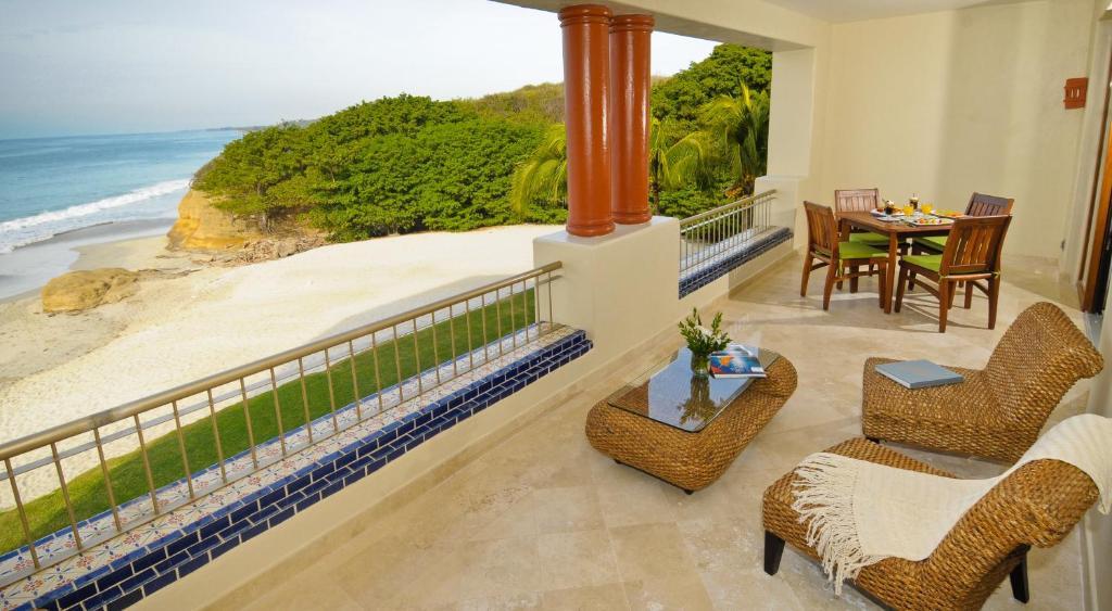 <div data-et-view=NAFQCDCcdXDPdFO:1</div Rancho Banderas All Suite Resort Punta Mita