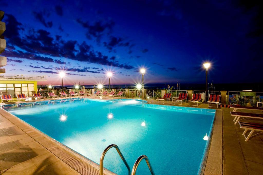 Hotel sayonara italy vacation italy - Hotel san martino di castrozza con piscina ...