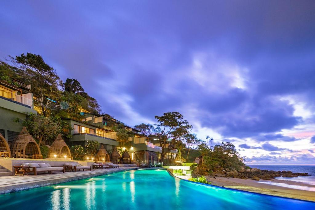 نتيجة بحث الصور عن فندق The Shore at Katathani Resort