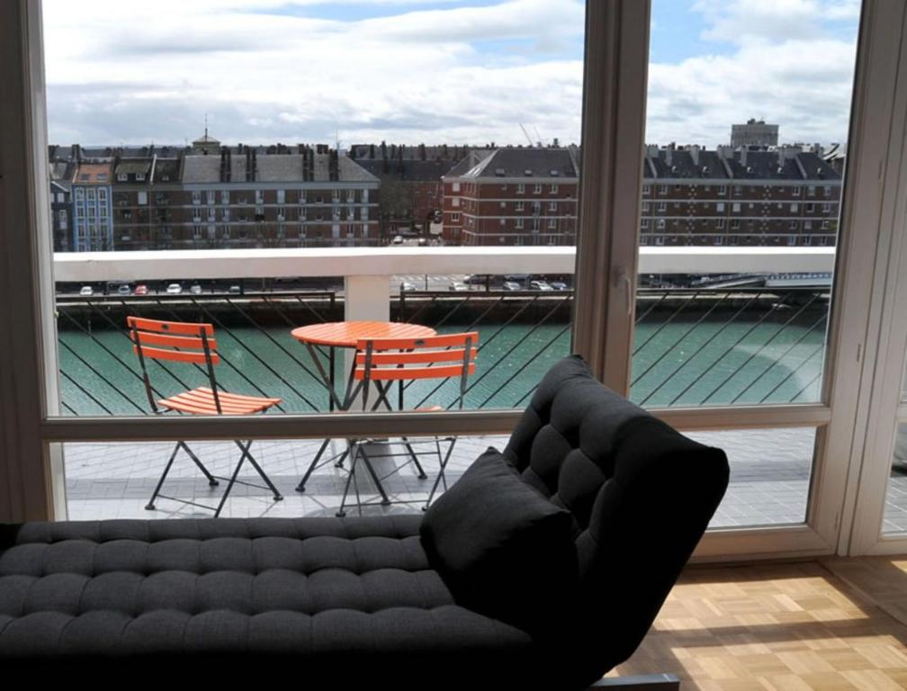 apartamento escale quai george v fran a le havre. Black Bedroom Furniture Sets. Home Design Ideas