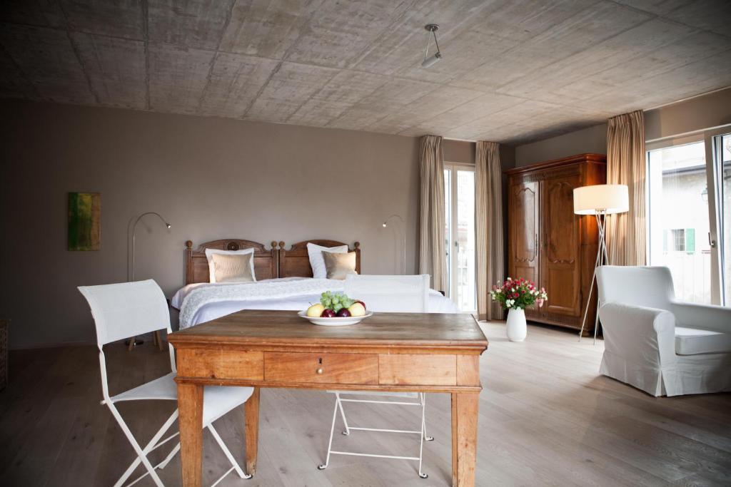 Le Coq Chantant B&B and Boutique Hotel St-Livres