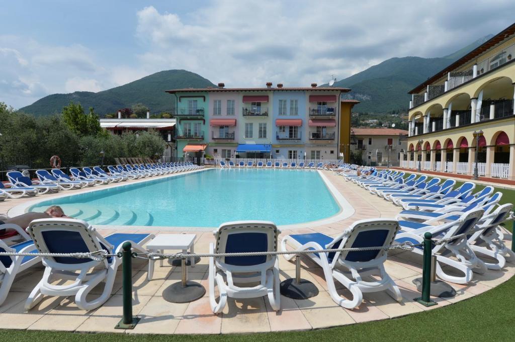 Departamento giardino dei colori italia toscolano maderno - Hotel giardino toscolano maderno ...