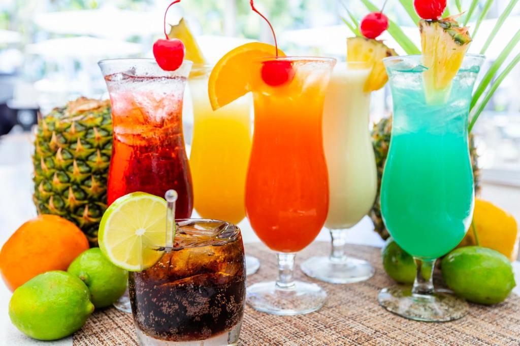 Tragos en Hilton Ponce Golf & Casino Resort