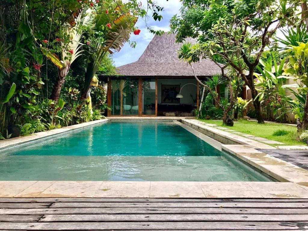 Villa Saffira (Indonesia Seminyak) - Booking.com