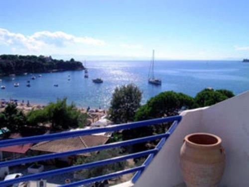 Kolios Beach Seaview Studios, Hotel, Kolios, Skiathos, 37002, Greece