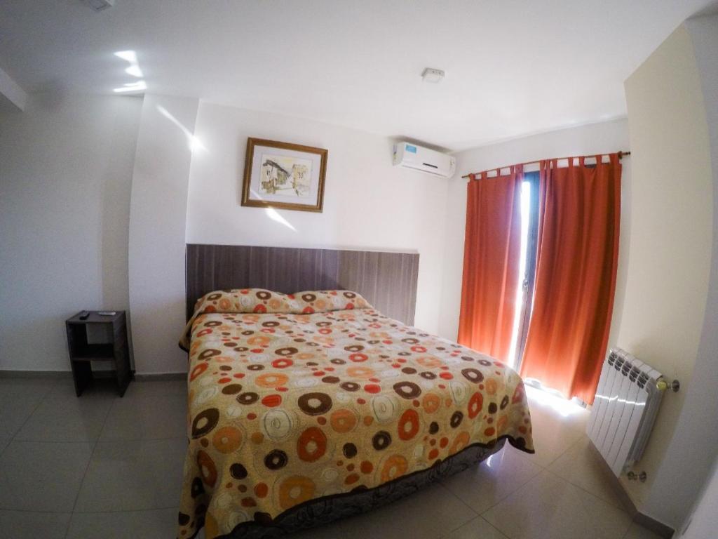 Una cama o camas en una habitación de Torre Nobile