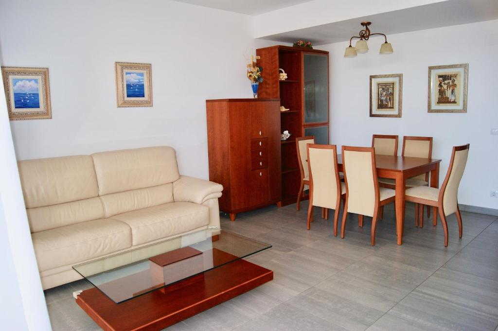 Villa coast (España Sant Pol de Mar) - Booking.com