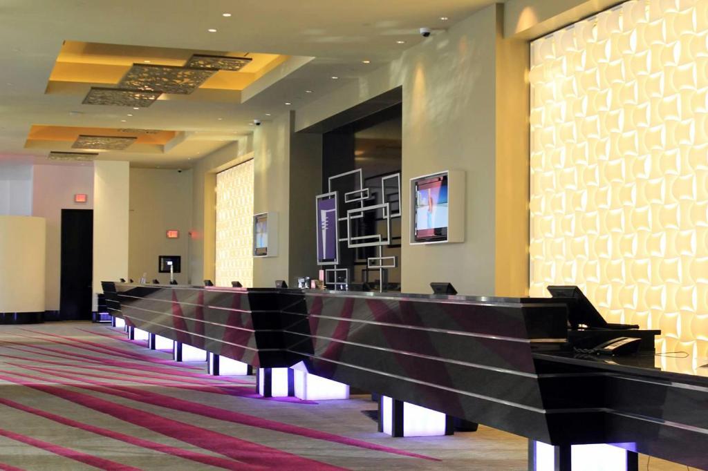 El lobby o recepción de Elara by Hilton Grand Vacations - Center Strip