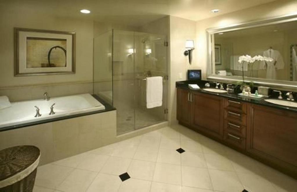 Un baño de The Signature at MGM