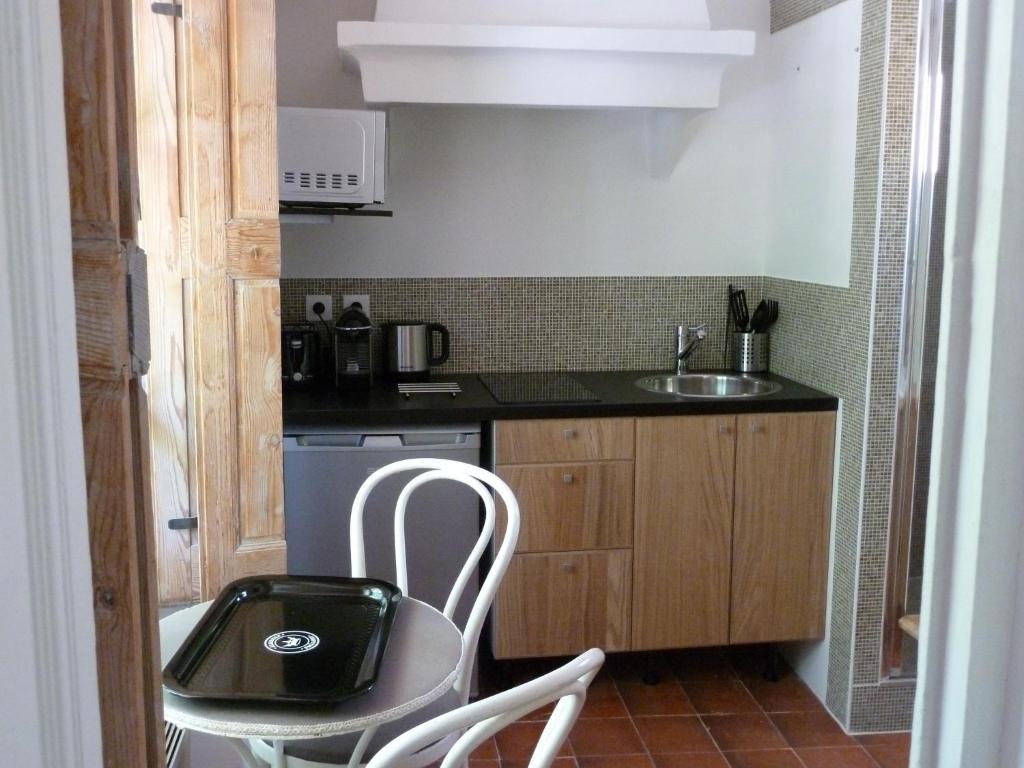 Appartement cours mirabeau crsmb aix en provence fran a for Aix en provence cours de cuisine