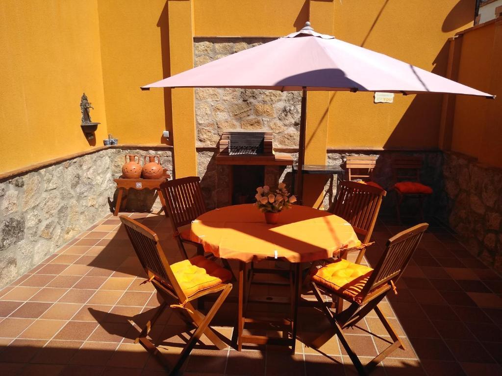 Casa Rural El Abuelo Anselmo (España Segovia) - Booking.com