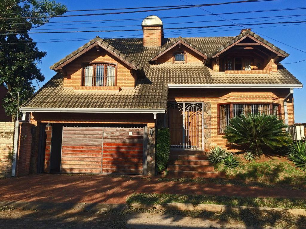 Villa Residencia en Los Laureles (Paraguai Assunção ...