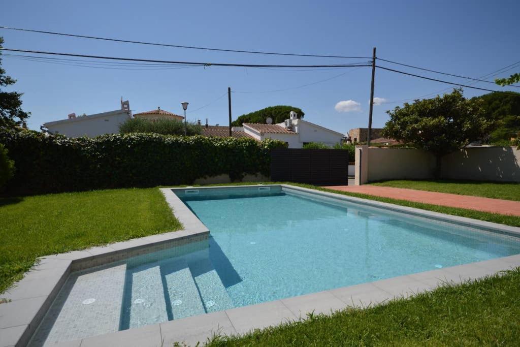 Casa de vacaciones Besalu 30 (España Sant Pere Pescador ...