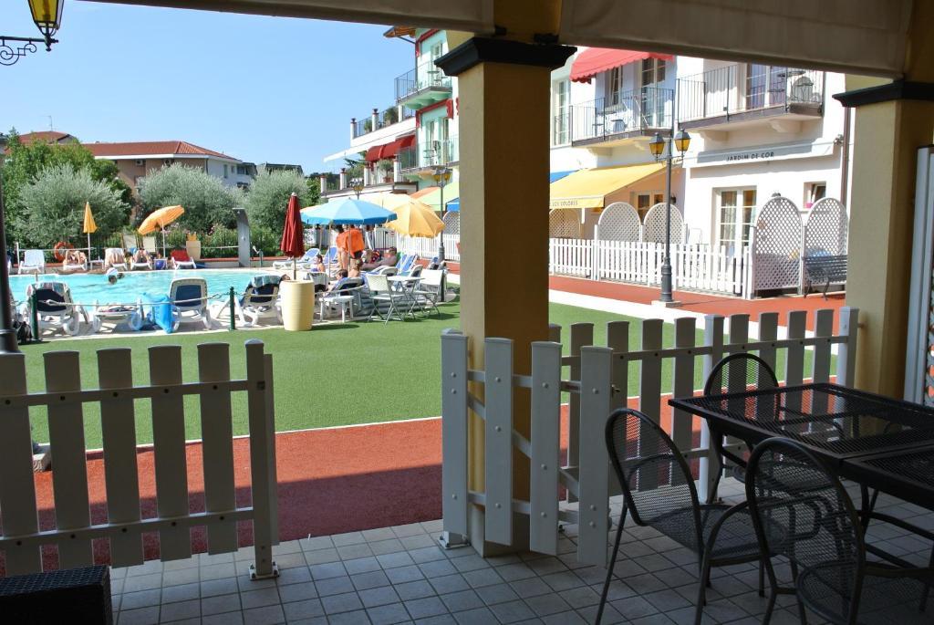 Aparthotel giardino dei colori italien toscolano maderno - Hotel giardino toscolano maderno ...