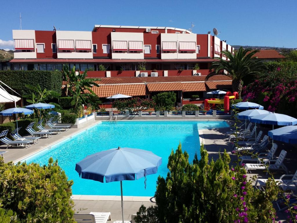 <div data-et-view=NAFQCDCcdXDPdFO:1</div Residence Hotel Felix